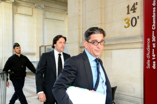 882863-arnaud-mimran-c-arrive-au-tribunal-a-paris-avec-son-avocat-jean-marc-fedida-d-le-25-mai-2016
