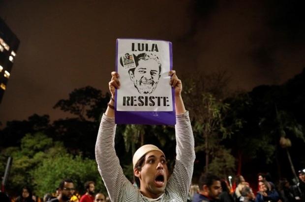 Lula Resiste