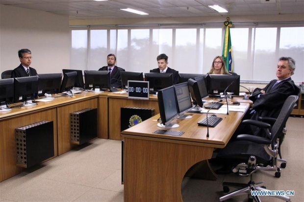 Lula Juges Tribunal Brésil