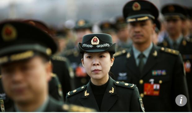 Capture Les délégués militaires arrivent pour la séance d'ouverture de l'Assemblée populaire nationale