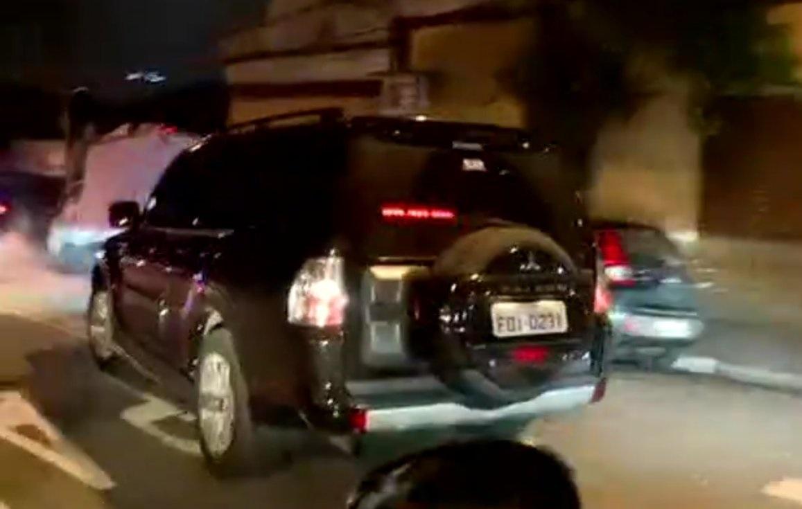 Lula conduit dans des voitures blindées2